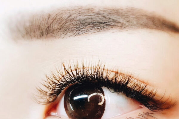 """Makeup skills Natural false eyelashes to create the best state without the impression of """"hot girl"""""""